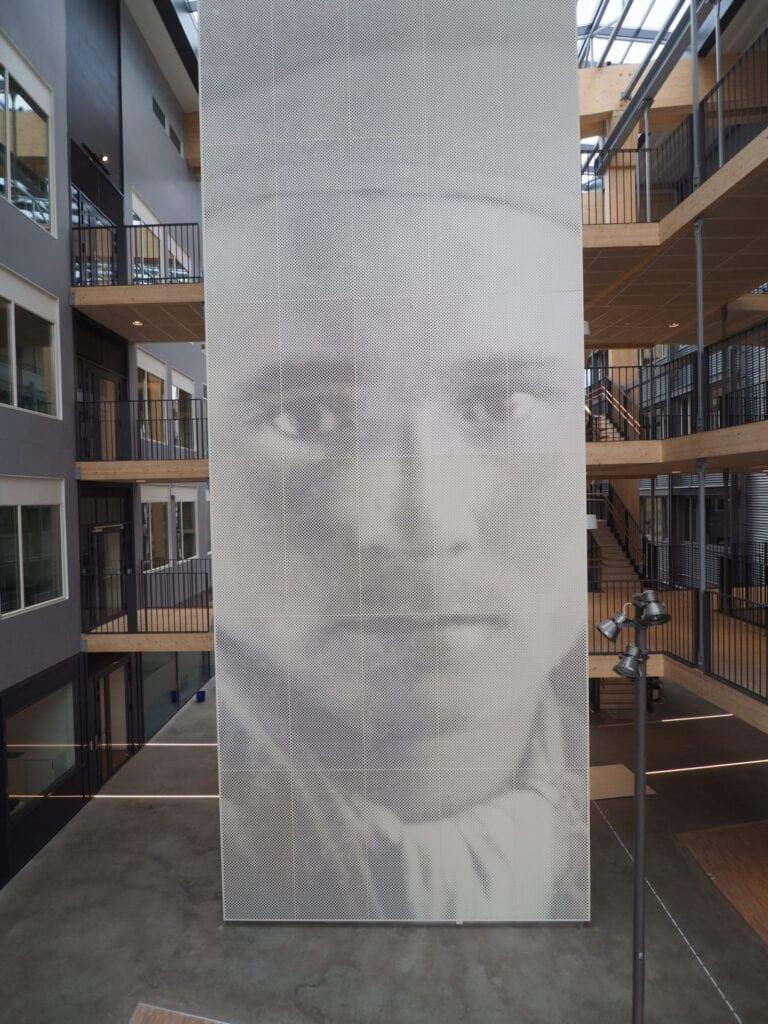 Kunstverk i Lysgården på Framsenteret